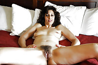 Hot Moms Spread Wide 25