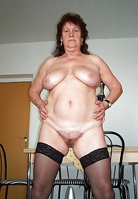 MATURE AND GRANNIES 120