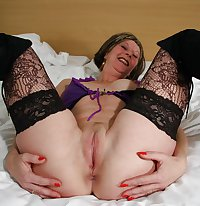 MATURE AND GRANNIES 45