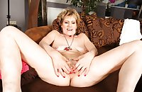 MATURE AND GRANNIES 87