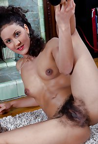 Ocean Sky, exotic model with hairy pussy and armpits