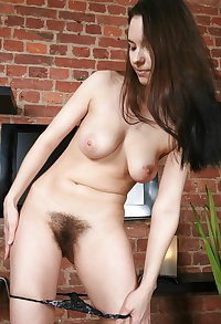 HOT BABES WITH HAIRY PUSSY MIX 01 C5M