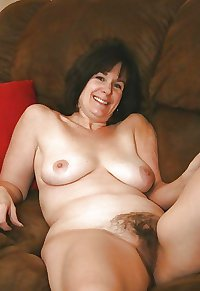 I like hairy mature pussy ... voll 1